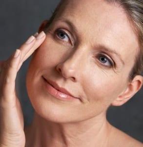 la mesotherapie pour le traitement global de revitaliser la peau en favorisant l'hydratation et l'élasticité prp