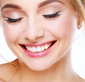 de belles lèvres pour un beau sourire traitement à l'acide hyaluronique
